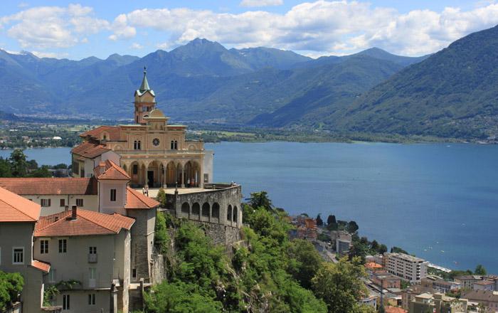 Traumblick auf Locarno und den Lago Maggiore von der Wallfahrtskirche Madonna del Sasso
