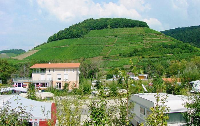 Blick auf den castellberg vom campingplatz Sulzbachtalbesuchen