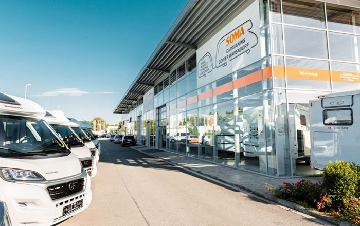 Die große Fahrzeugausstellung desSOMA Caravaning Warendorf