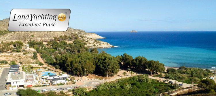 Der Premium Campingplatz El Torres liegt ruhig am Traumstrand der Costa Blanca