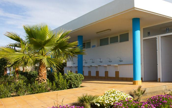 Die Santäranlagen auf dem Camping Mar Azul sind sehr schön