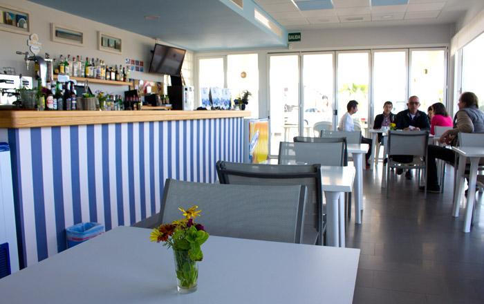 In der Bar am Camping Mar Azul gibt es leckere Kleinigkeiten